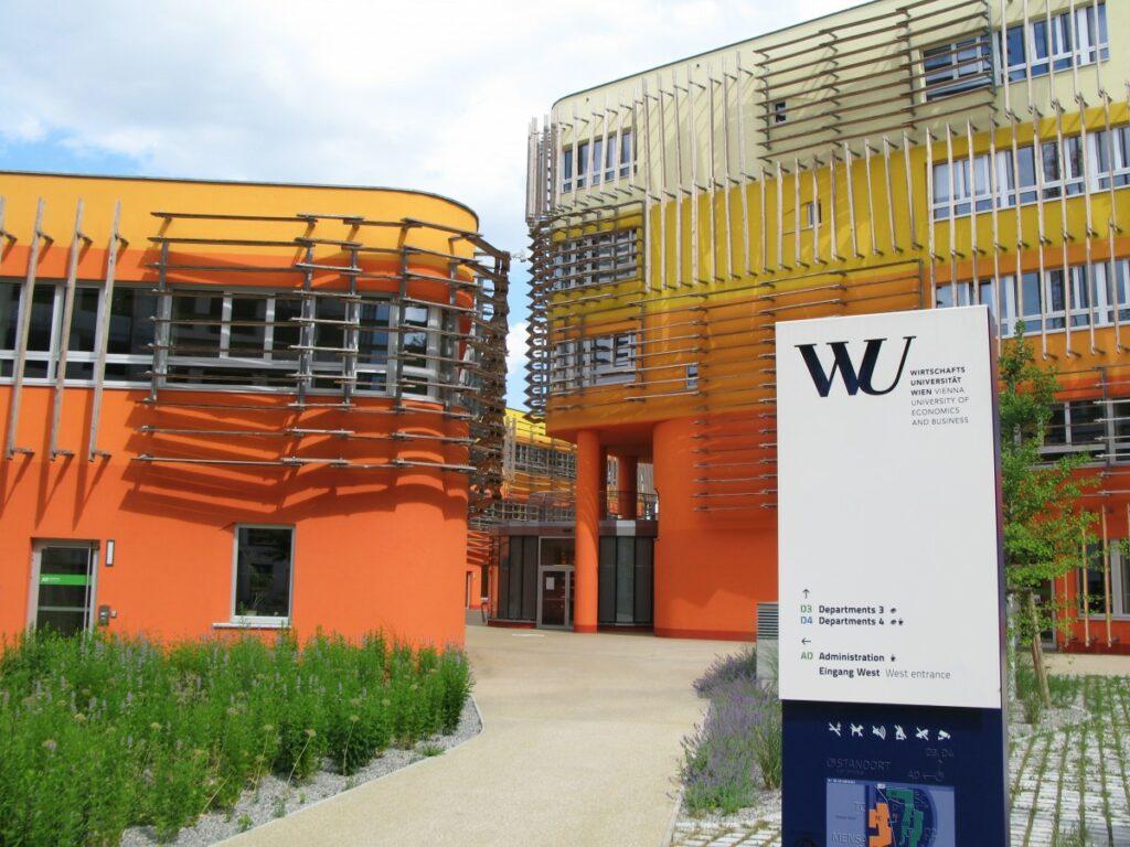 Tähtiarkkitehdit loivat Wienin kauppakorkeakoulusta futurismin helmen | Rakennuslehti