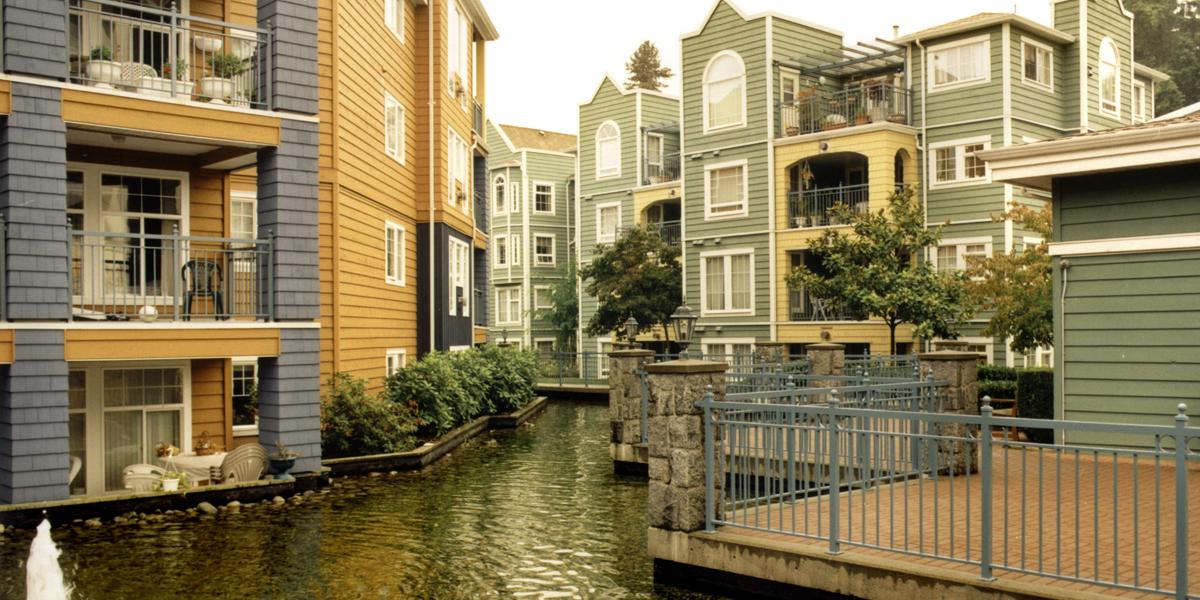 Yhdysvaltojen puukerrostalovaltainen asuntokanta on erityisen arka kosteusvaurioille.