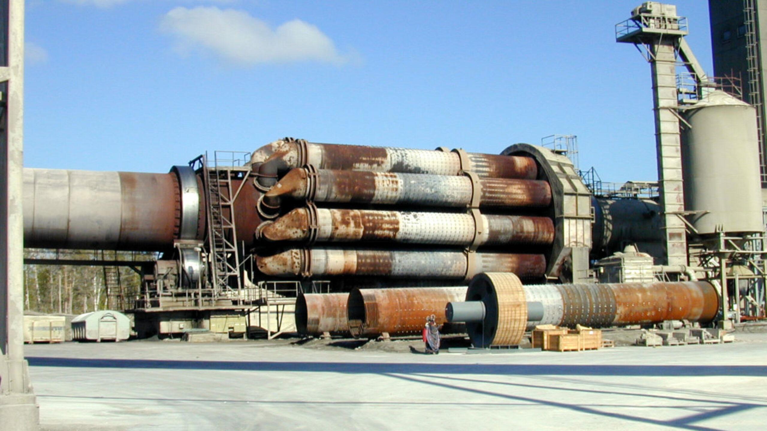 Valtaosa betonin ilmastopäästöistä syntyy Suomessa kahdesta tällaisesta sementtiuunista.