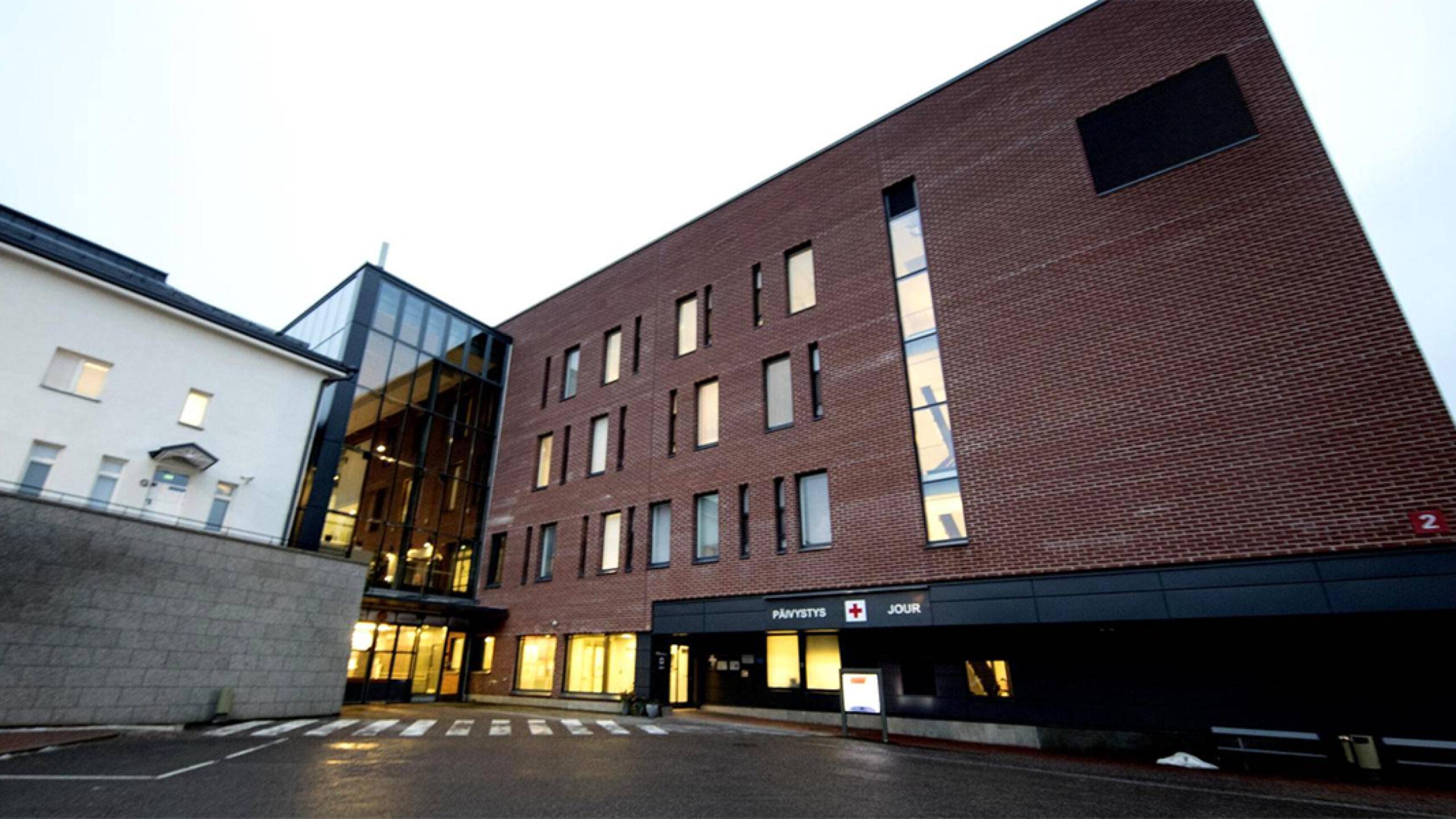 Vain neljä vuotta vanhasta Malmin sairaalasta löytyi kosteusongelmia – edessä kuukausien ...